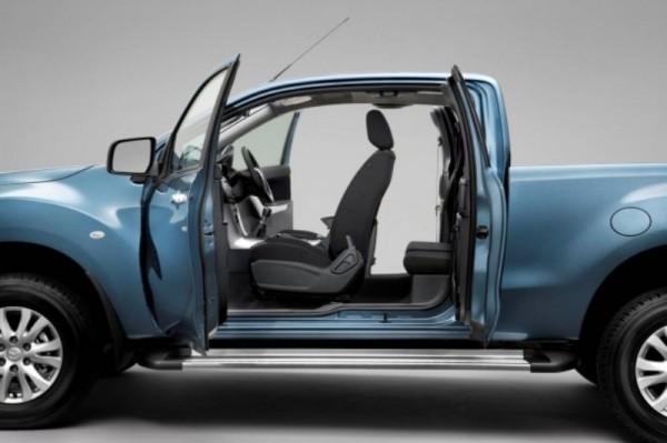 2012-Mazda-BT-50-Interior-Design