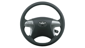 toyota-hilux-sr5-steering-wheel-controls